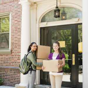 International students studying in the USA moving into dorms